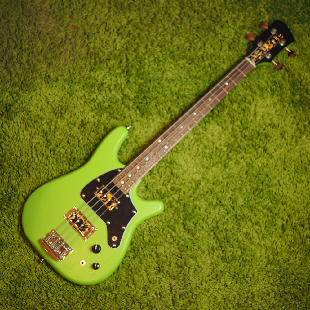 Serek Midwestern 2 Bass – Serek Singles – Spring Green